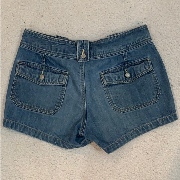 Old Navy Low Rise Double Button Jean Shorts  Sz 6